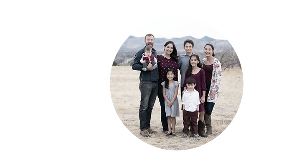 _CSG0664 Garrison family 11-2020_circle.png