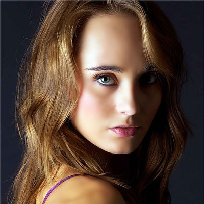 Elena Headshot.jpg