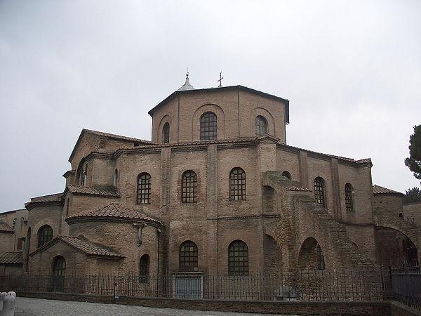 рис 3 восьмигранная церковь Сан-Витале.j