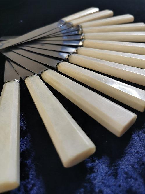 Couteaux bakélite ivoire nacré