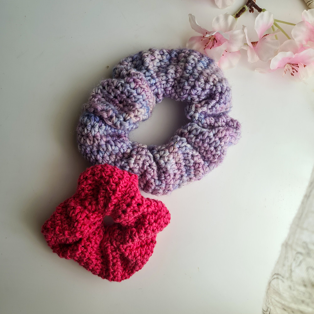 two scrunchies with flowers