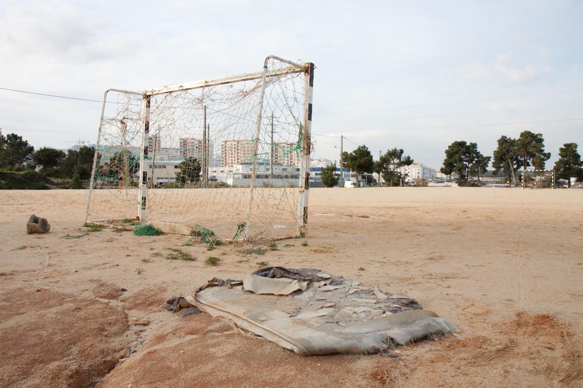 Un campo di calcio nel ghetto