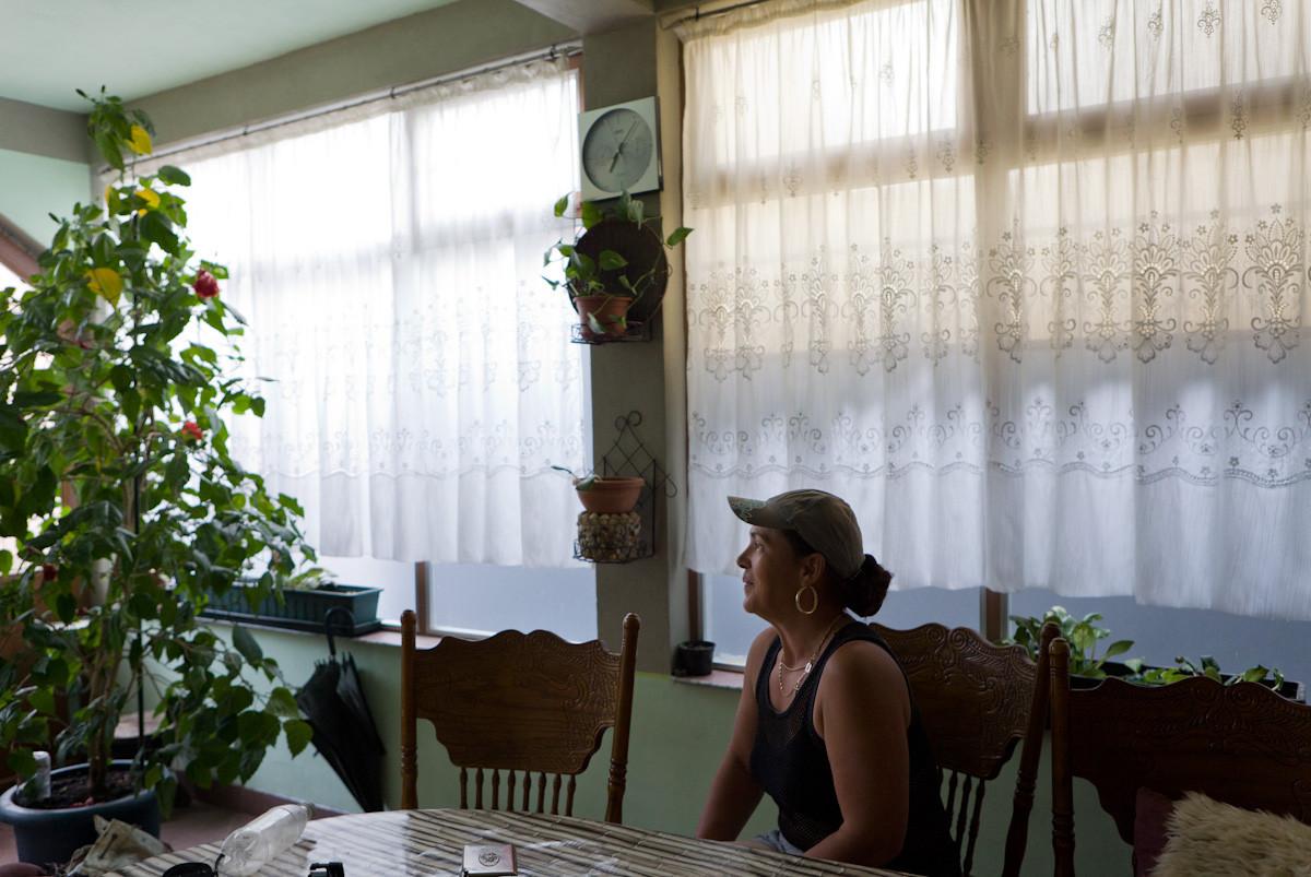 Marijana, di nazionalità croata, rifugiata dalla Serbia, ha lavorato negli ultimi 13 anni sulla spiaggia come ambulante vendendo crepes.