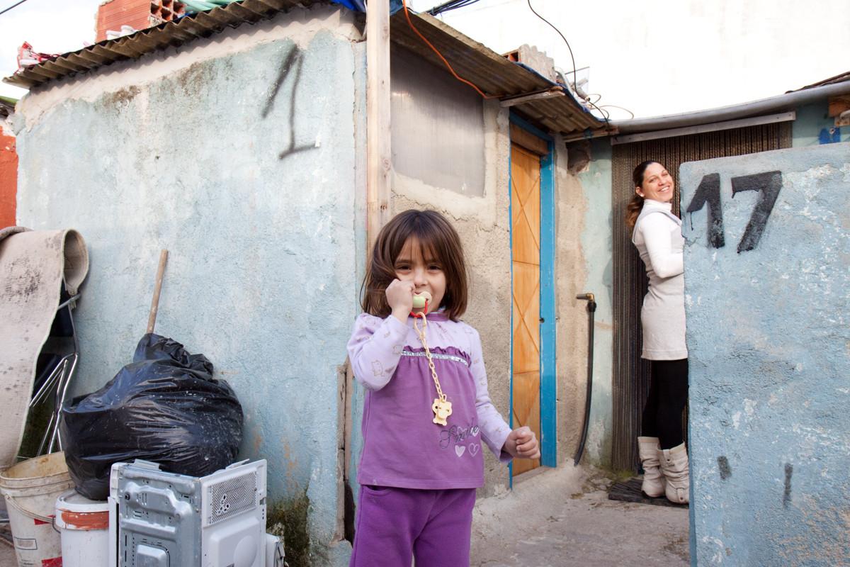 Una delle poche famiglie portoghese tra immigrati africani
