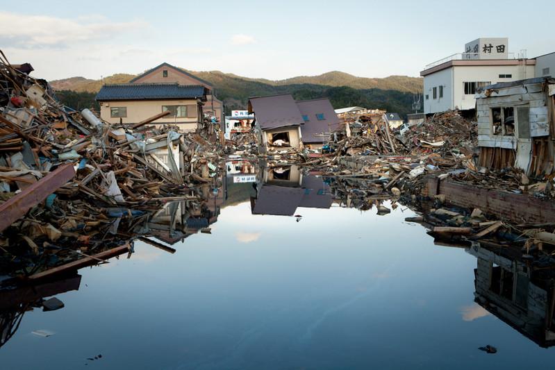 In centro Kesennuma devastata.