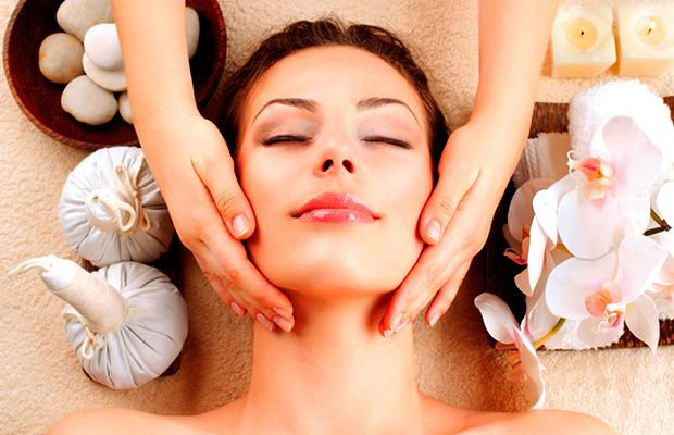 Ayurvedic Face Lift Massage