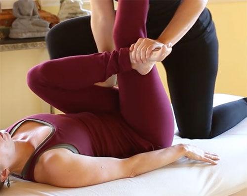 Table Thai Stretch Massage