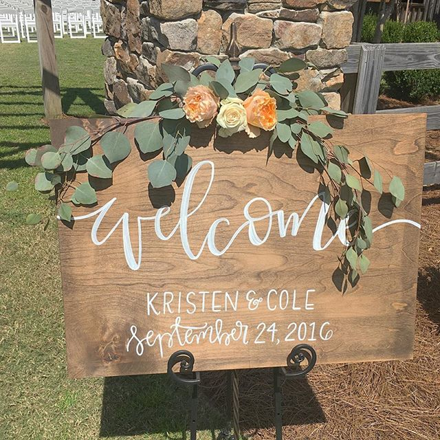 Absolutely beautiful sign by _signsbyalex! _ 💐_ _luellafloral #Luella #wedding #middlegeorgiafloris