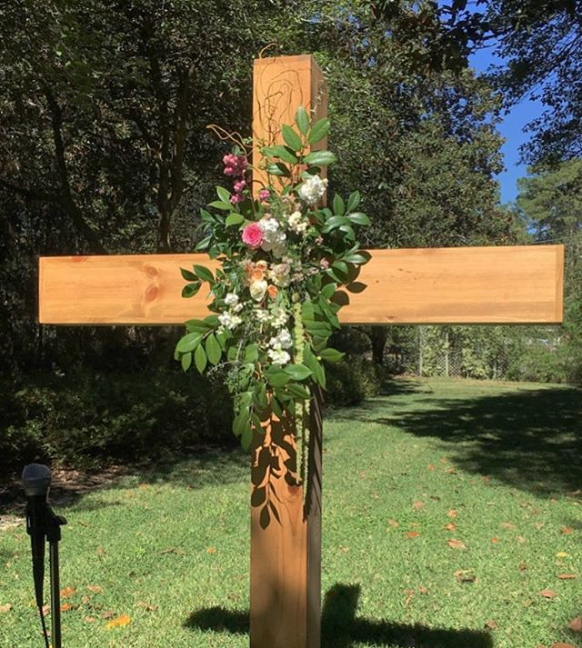 Ceremony cross #Luella #Wedding