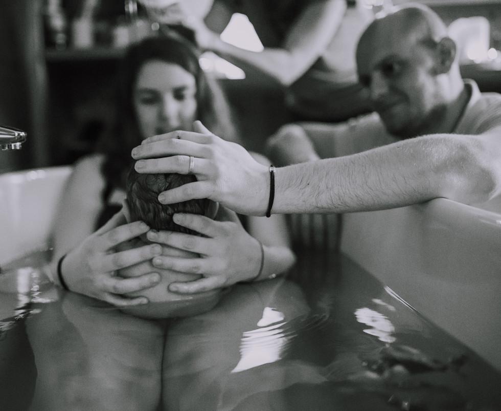 bain nouveau né doula vanessa khelifi photographe annonay