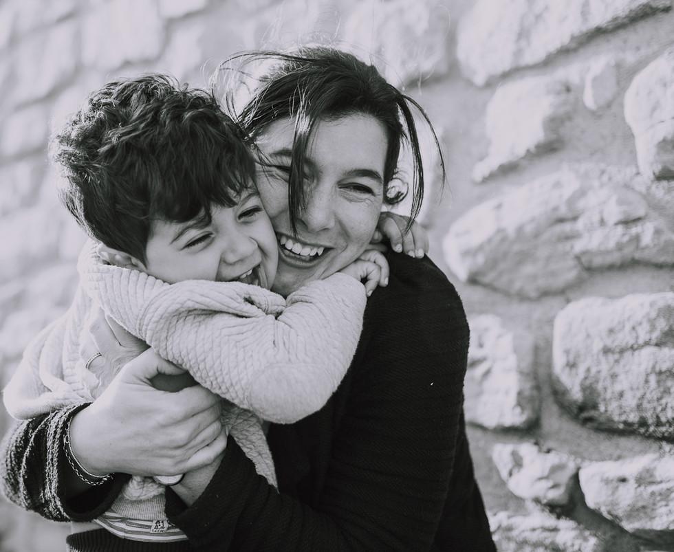 seance maman enfant vanessa khelifi photographe annonay