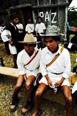 Pidiendo Paz en Quextic 2001