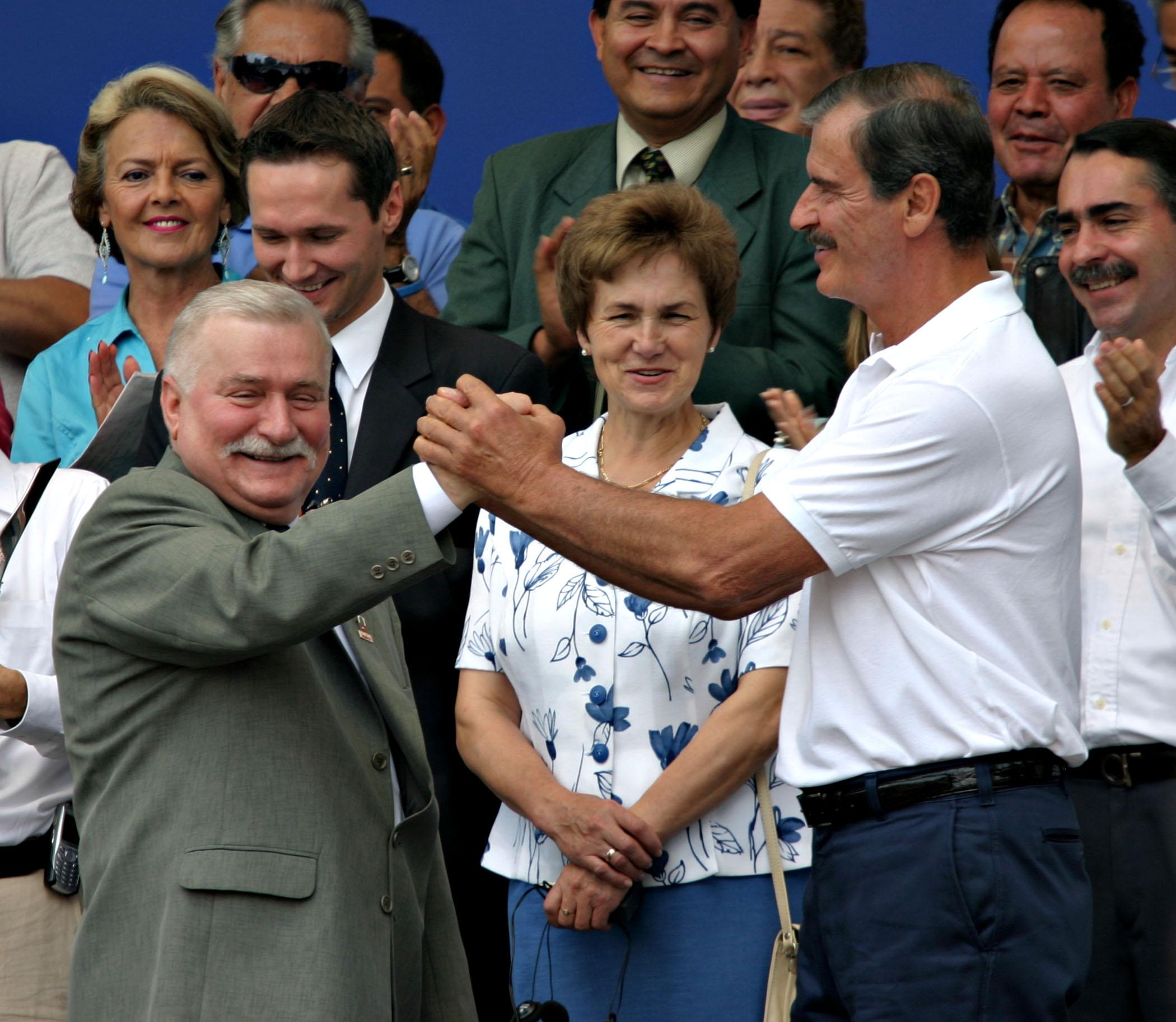 Lech Walesa/President Fox, Tribune