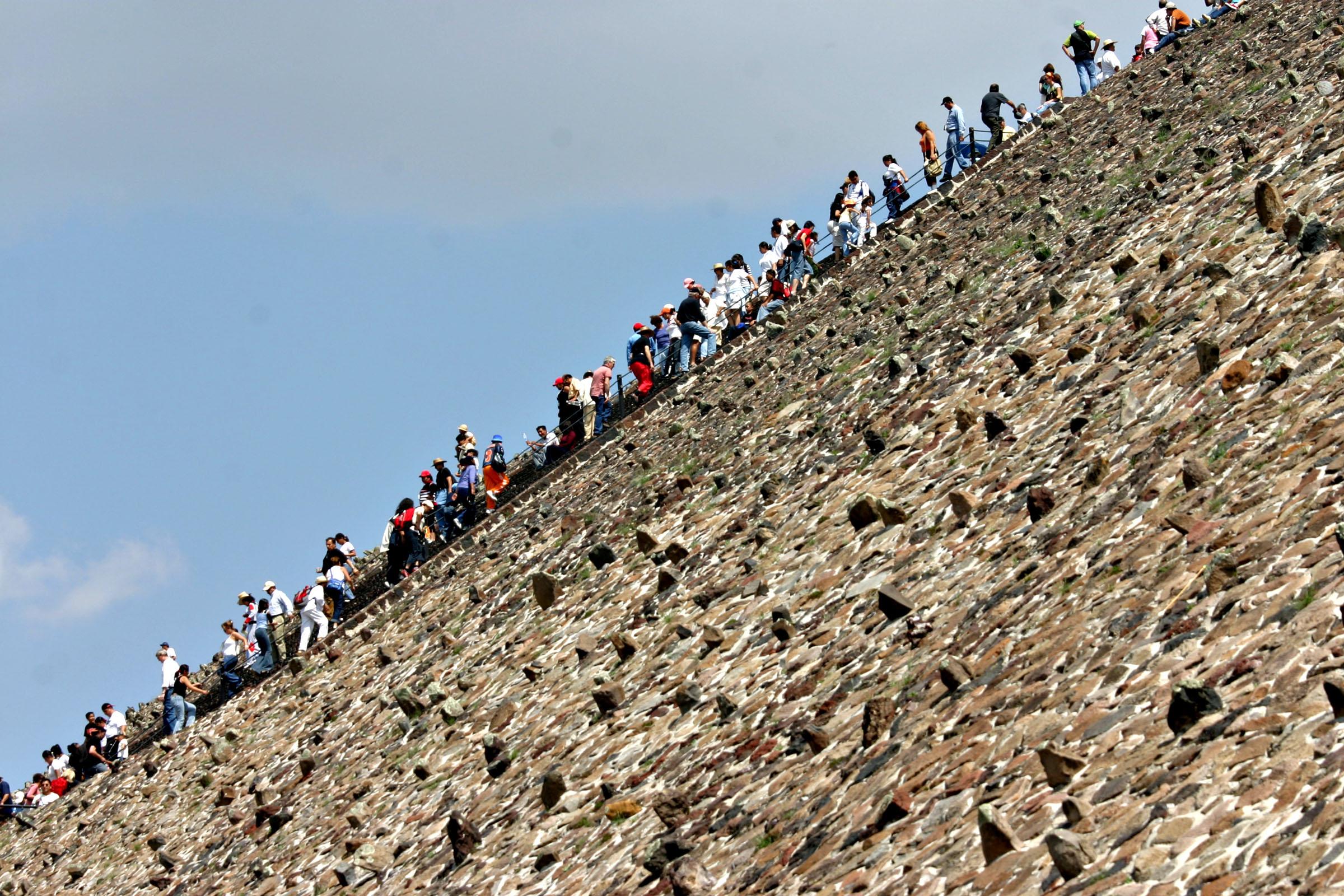 Teotihuacan-Walmart, Tribune News