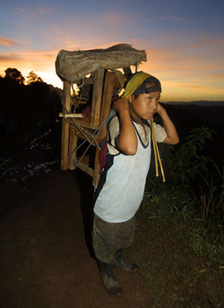 Maya refugees return, AFP