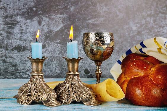 תפילה בזמן הדלקת נרות שבת