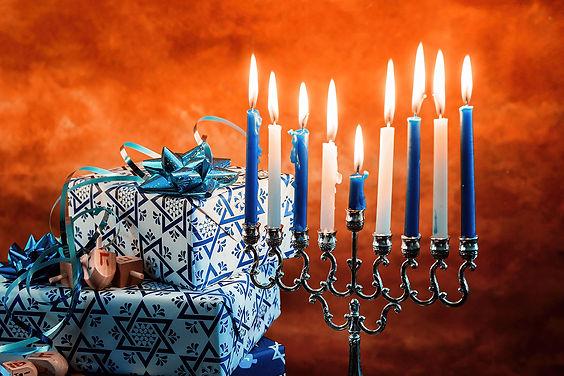 מזמור 'יושב בסתר' לאחר הדלקת נרות חנוכה