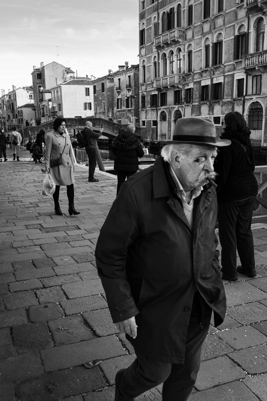 Venetian Gent Stroll