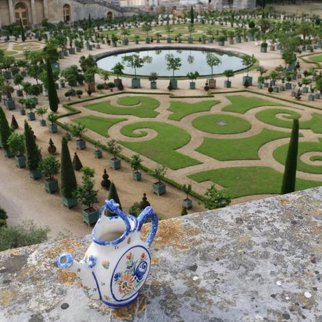 versailles-watering-can.jpg