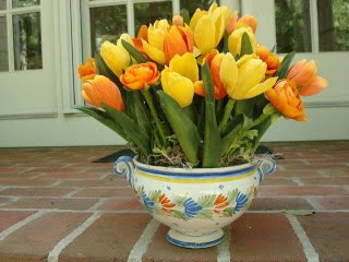 HR Quimper Soupiére with Yellow and Orange Tulips