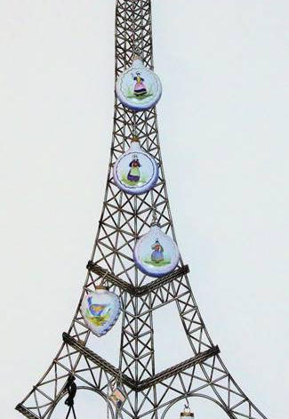 Quimper-Eiffel-Tower.jpg