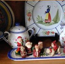 tray of mini santa figures.jpeg