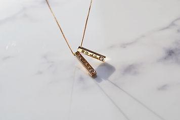 9ct_Gold_Remodelled_Diamond_Sliding_Bar_