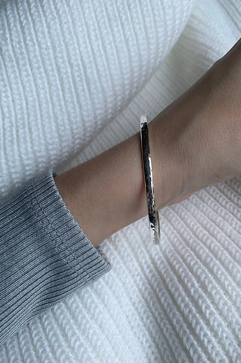 Sterling Silver Hammered Round Bangle