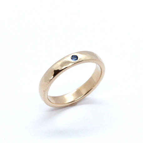 9ct Yellow Gold & Sapphire Hammered Pinkie Ring