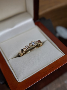 9ct Gold Diamond Handcarved Engagement Ring