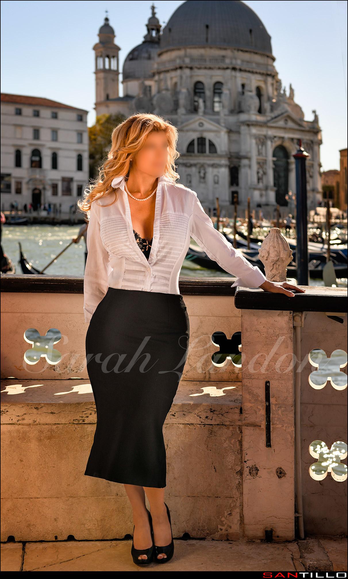 Sarah Landon VIP Companion