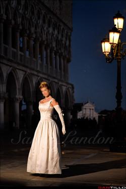 Sarah Landon Luxury Companion