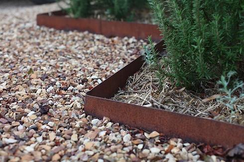 hero-rusted-steel-edging-skemah-gardenista.png