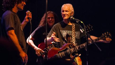 Derek Jams On Roadhouse Blues with Robby Krieger