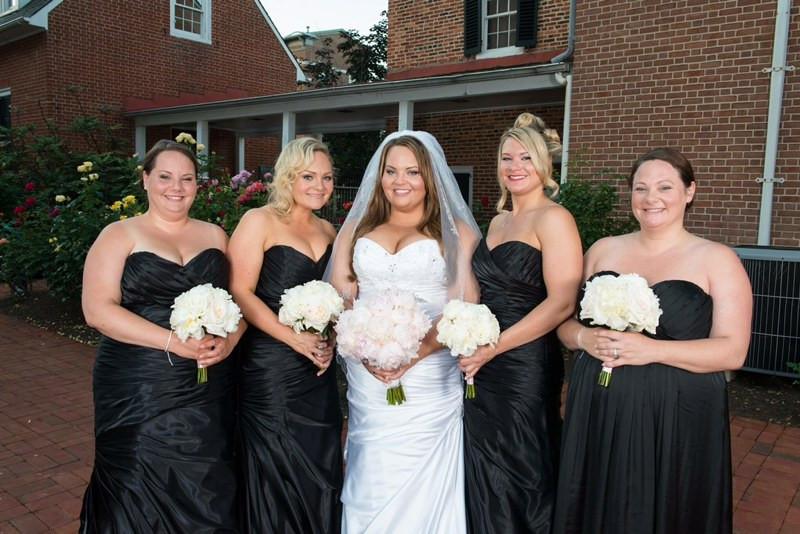 Open Letter to Brides : Please Get the False Lashes