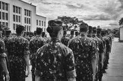 Serafina (Folha): Jovem é a primeira civil a fotografar a rotina de formação do Exército