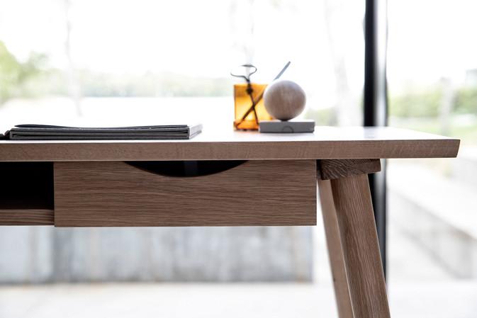 capa-writingdesk-diningchair (3).jpg