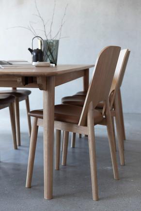 lancaster-diningtable-diningchair (1).jp