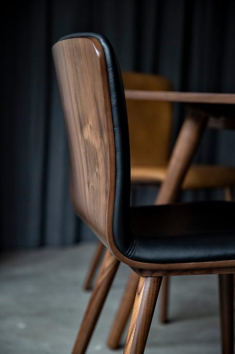 capa-diningtable-diningchair-sideboard (