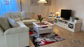 Wohnzimmer komplett neu.jpg