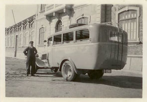 Motorista e Autocarro da Auto-cars Palmelense.