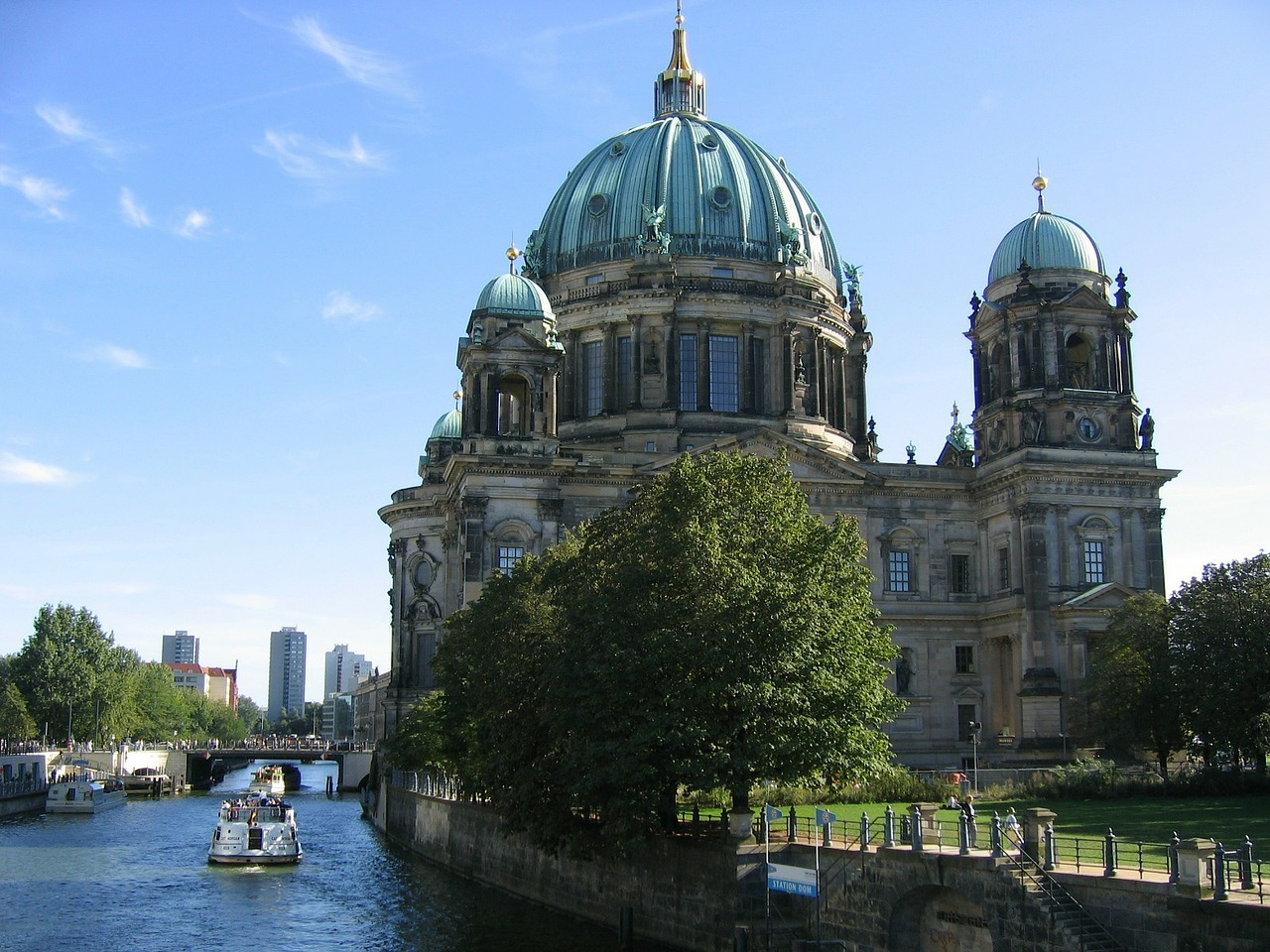 berlin-91012_1280.jpg