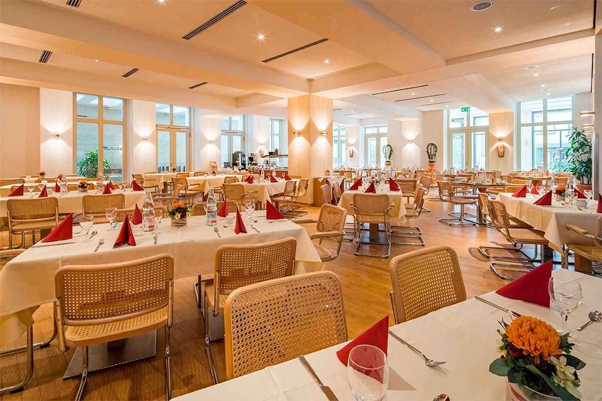 aquino-galerie-_0019_Restaurant.jpg.jpg