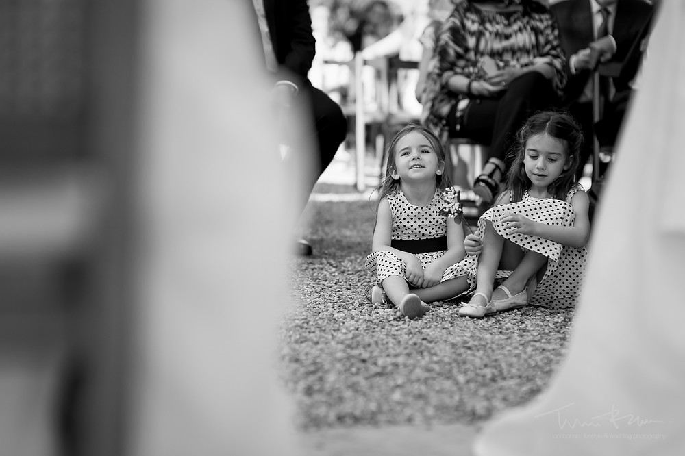 niños ceremonia Mas Folch boda Fotografía documental Destination wedding photographer Tarragona  Barcelona