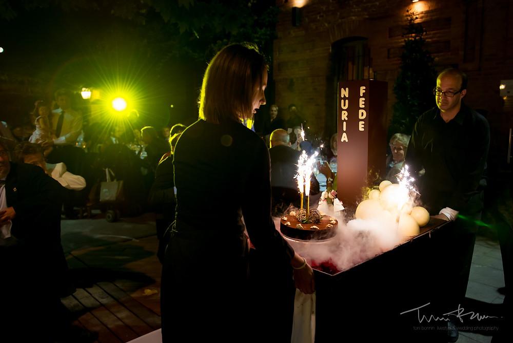 tarta Mas Folch boda Fotografía documental Destination wedding photographer Tarragona  Barcelona