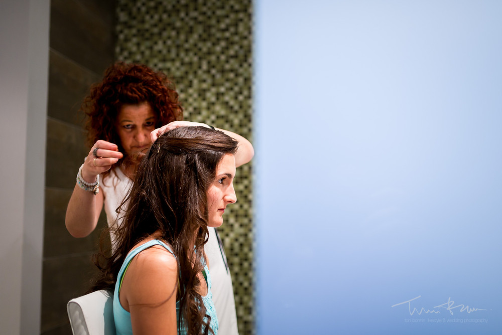 preparación novia Fotografía documental Destination wedding photographer Tarragona  Barcelona