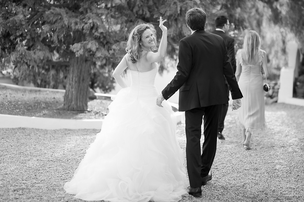 saludo novia Mas Folch boda Fotografía documental Destination wedding photographer Tarragona  Barcelona