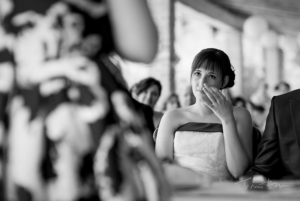 novia emocionada ceremonia Fotografía documenta Destination wedding photographer Tarragona  Barcelona