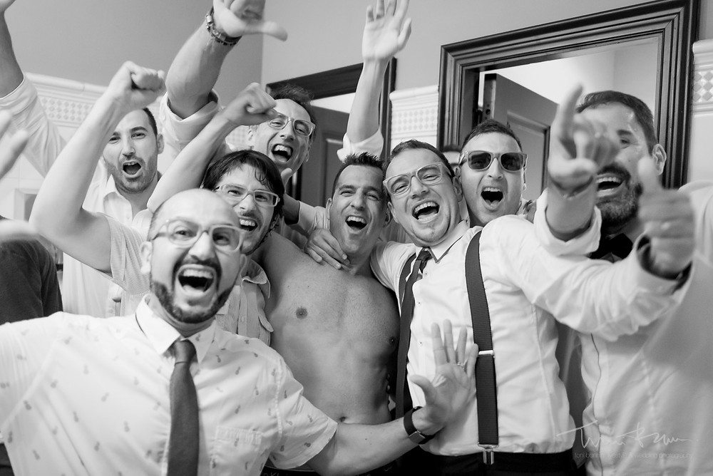 sin ropa baño restaurant les Marines Fotografía documental Destination wedding photographer Tarragona  Barcelona