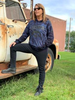 Black Iowa Hawkeyes sweatshirt